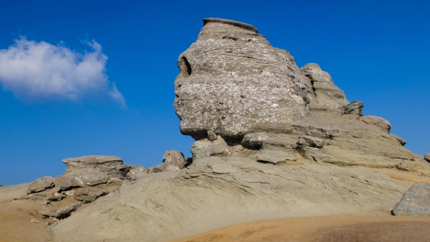 The Sphinx and Babele Romania